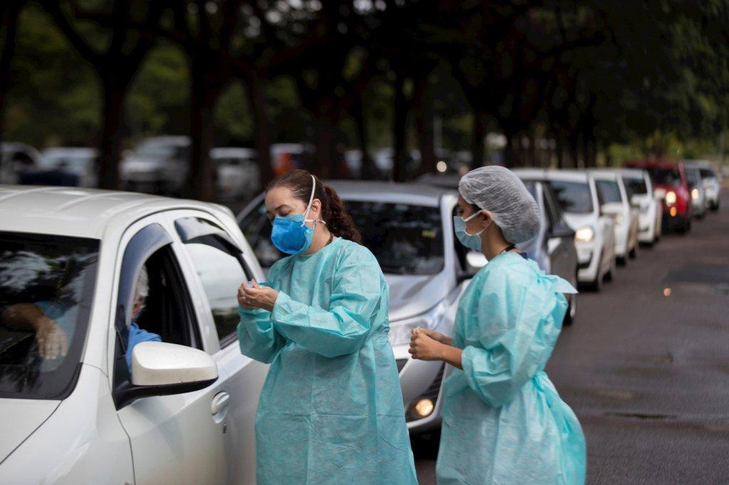 São Paulo bate recorde e vacina mais de 300 mil pessoas em um dia