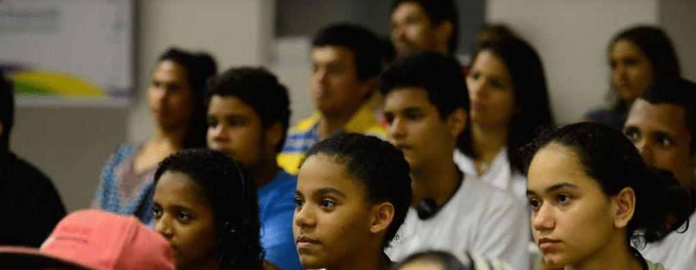 Fiocruz cria sala de situação para monitorar impacto da pandemia sobre os jovens brasileiros